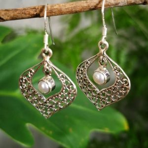 Pearl Wonder Earrings